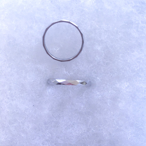 Diamond cut band ring