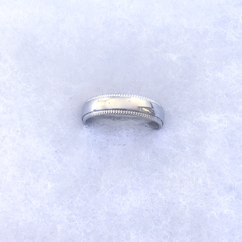 Curve band ring