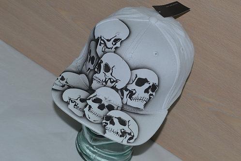 Piled Skulls, Snap-back