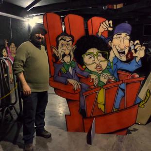 Painel com as caricaturas dos jurados Pedro de Lara, Aracy de Almeida e Sérgio Mallandro