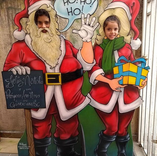 Casal Papai e Mamãe Noel com rostos vazados para fotos feito para Guaraciaba/ SC