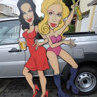 Painel com Ivete Sangalo e Lady Gaga