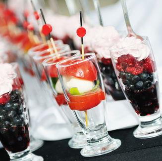 Postre helado de fruta