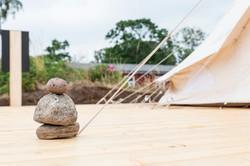 Træterrasse til hvert telt