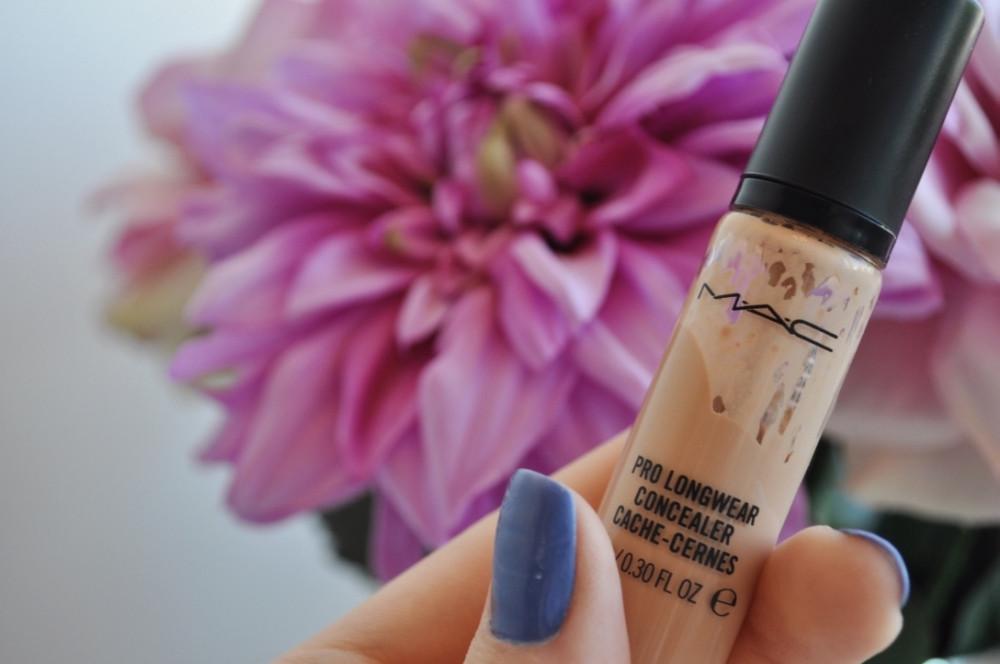 Maquiagem Diária - Duda Nascimento - MAC Pro Longwear Concealer NW20
