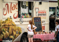 2017-0930-Mac-Attack-Food-Truck-C_JBryan