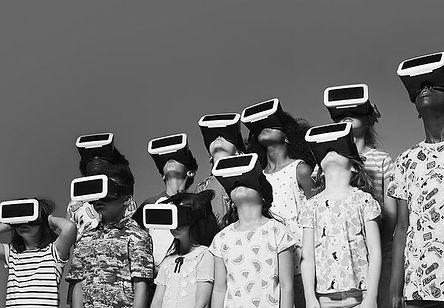 group-of-children-wearing-virtual-realit