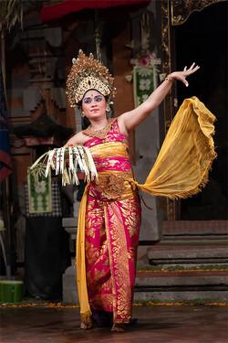 PI Balinese Welcome Dance 091