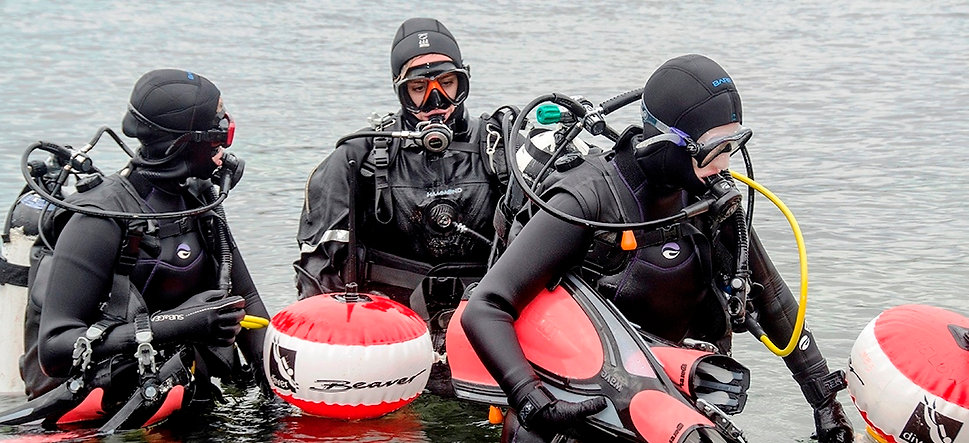 We dive as a team! - Photo credit: BSAC