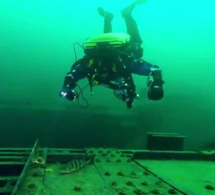 Vobster rebreather diving