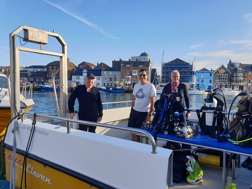 RSAC divers on the boat in Weymouth harbour