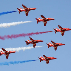 The Red Arrows in Support of Diving
