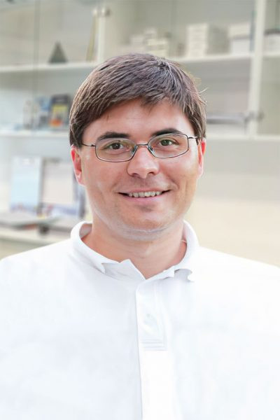 Dr. Toldi László