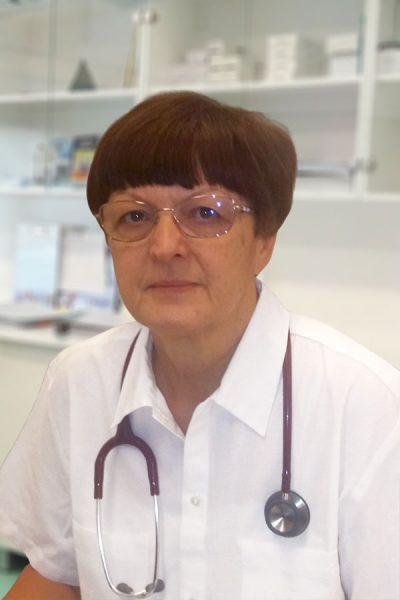 Dr. Csányi Mária