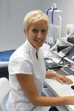 dr_lengyel_agnes_reumatologus_szakorvos-