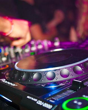 audio-mixer-close-up-deejay-2381596_sm.j