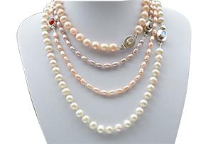Collares de perlas barrocas