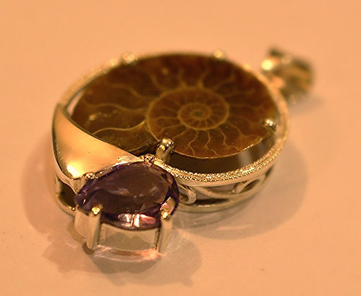 Ammonite y Amatista