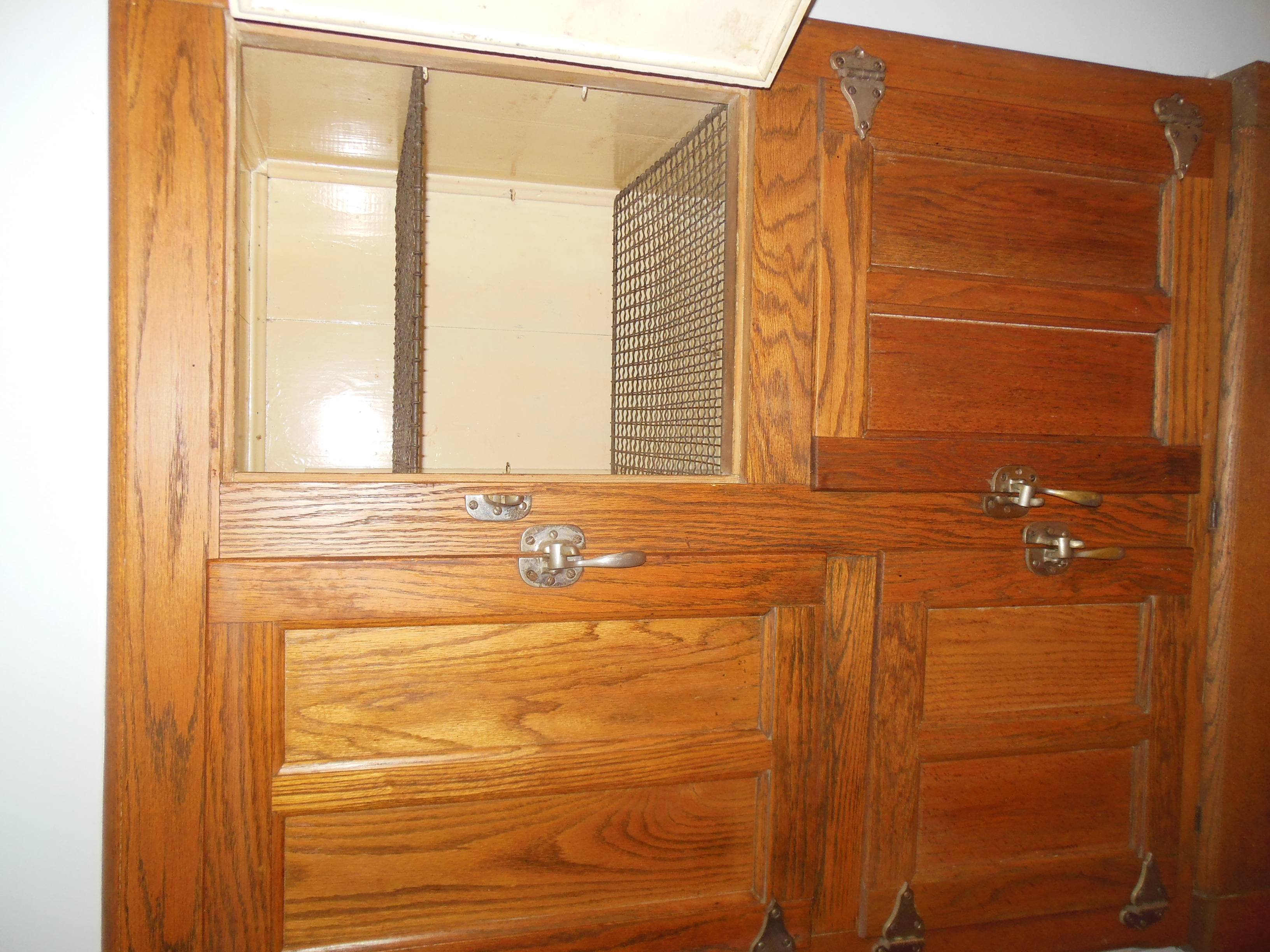 509 Normal St cabinets