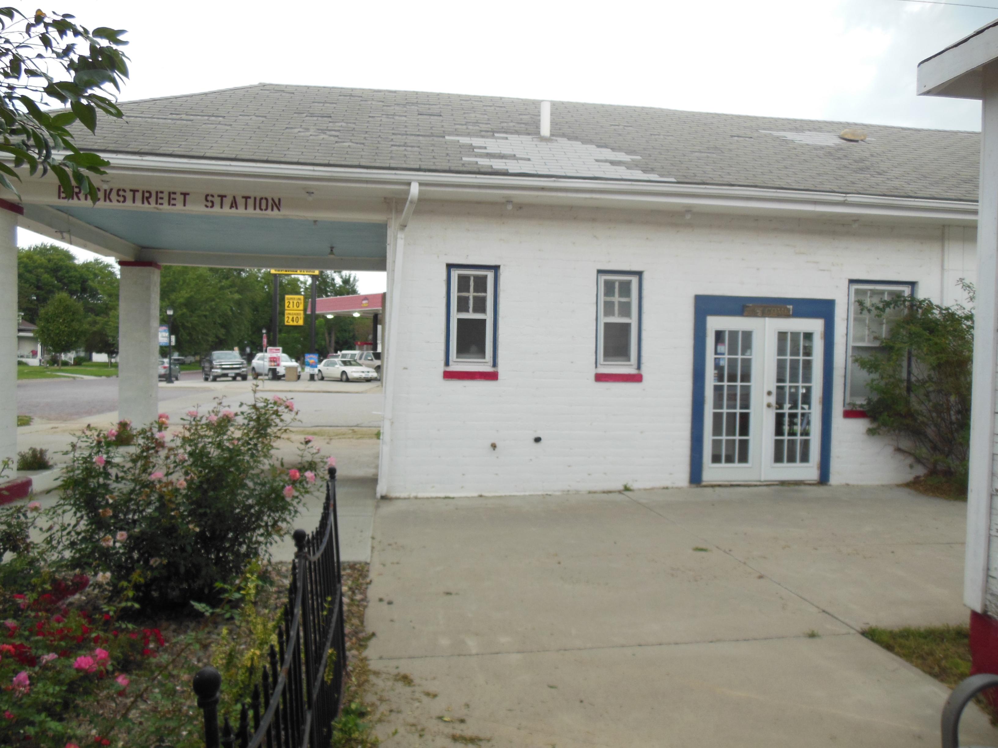 Brick Street Station, Woodbine