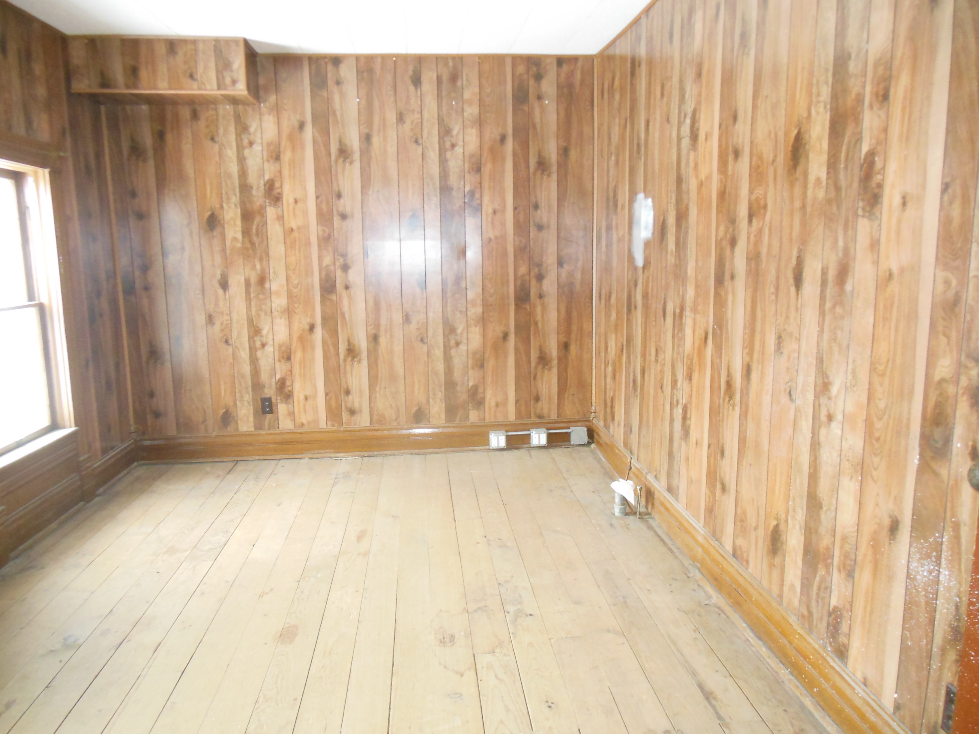 509 Normal, Upstairs room