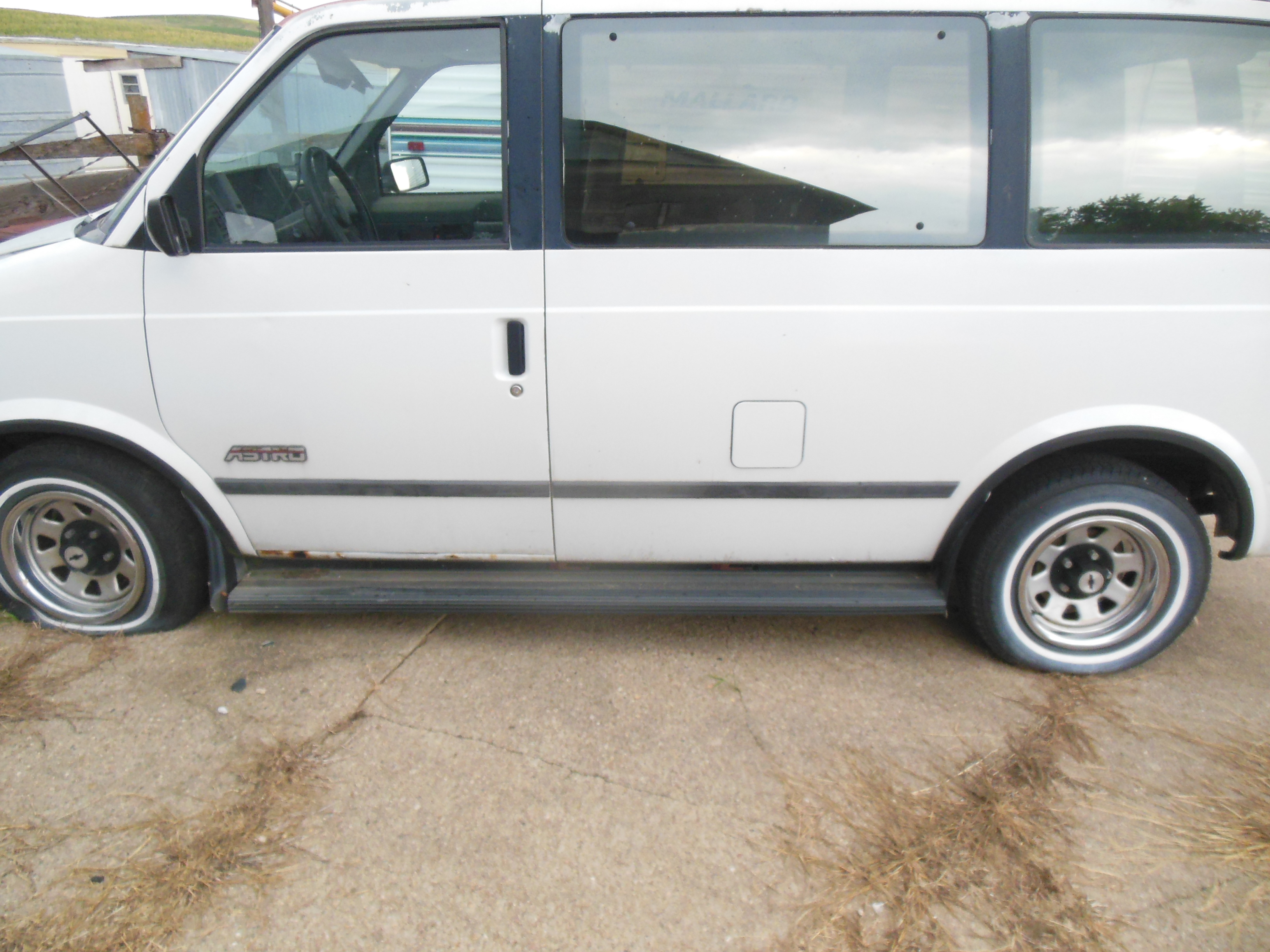 Salvage minivan
