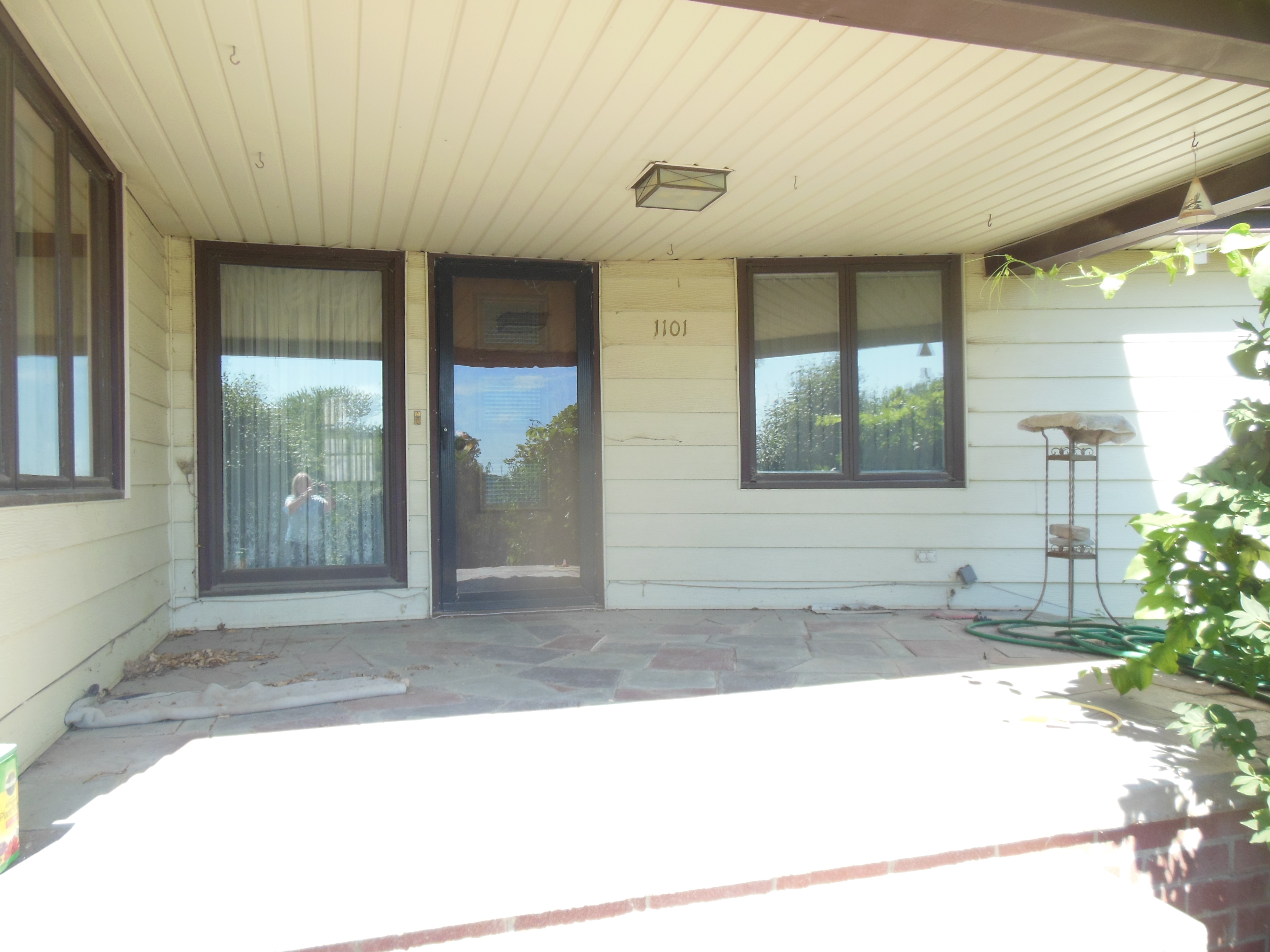 1101 Lincolnway, Woodbine
