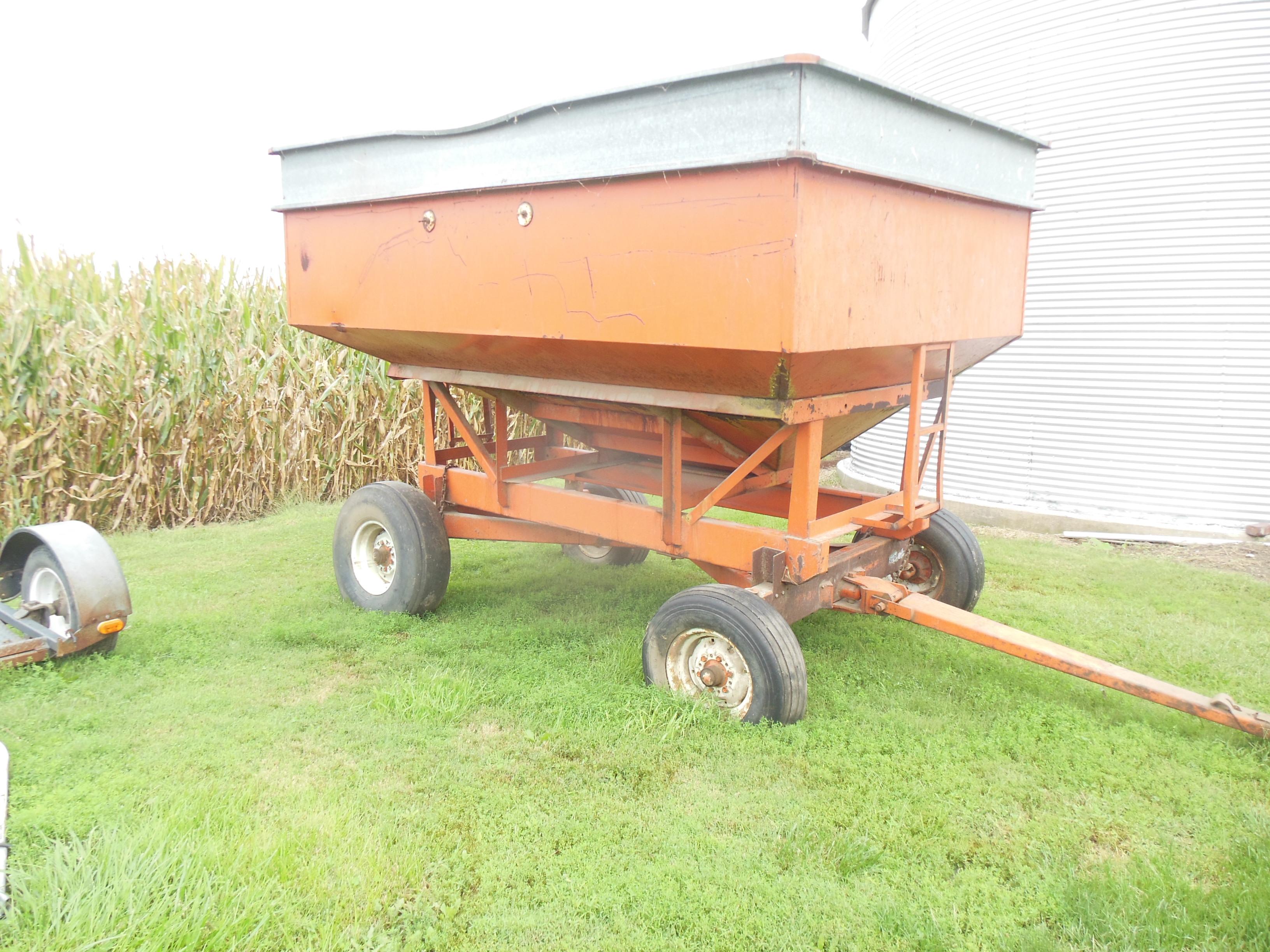 Clark Gravity flow wagon