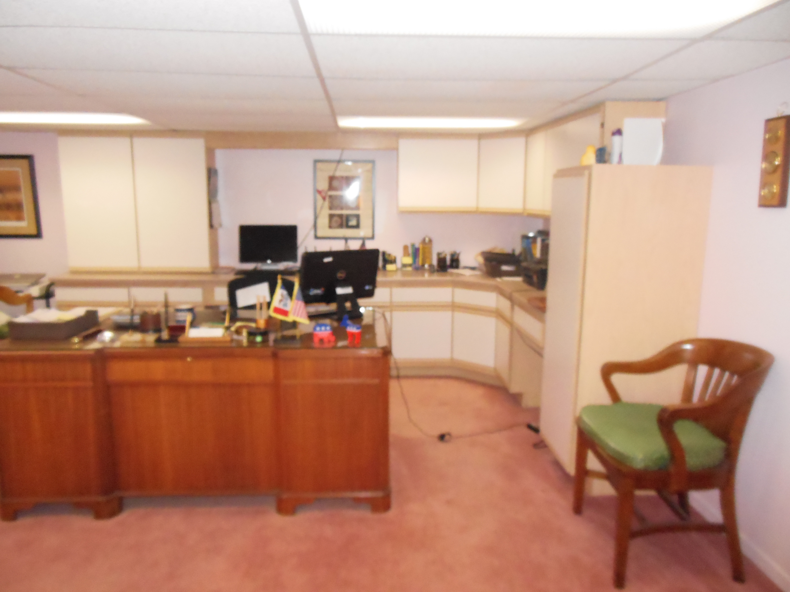 901 White St, office area