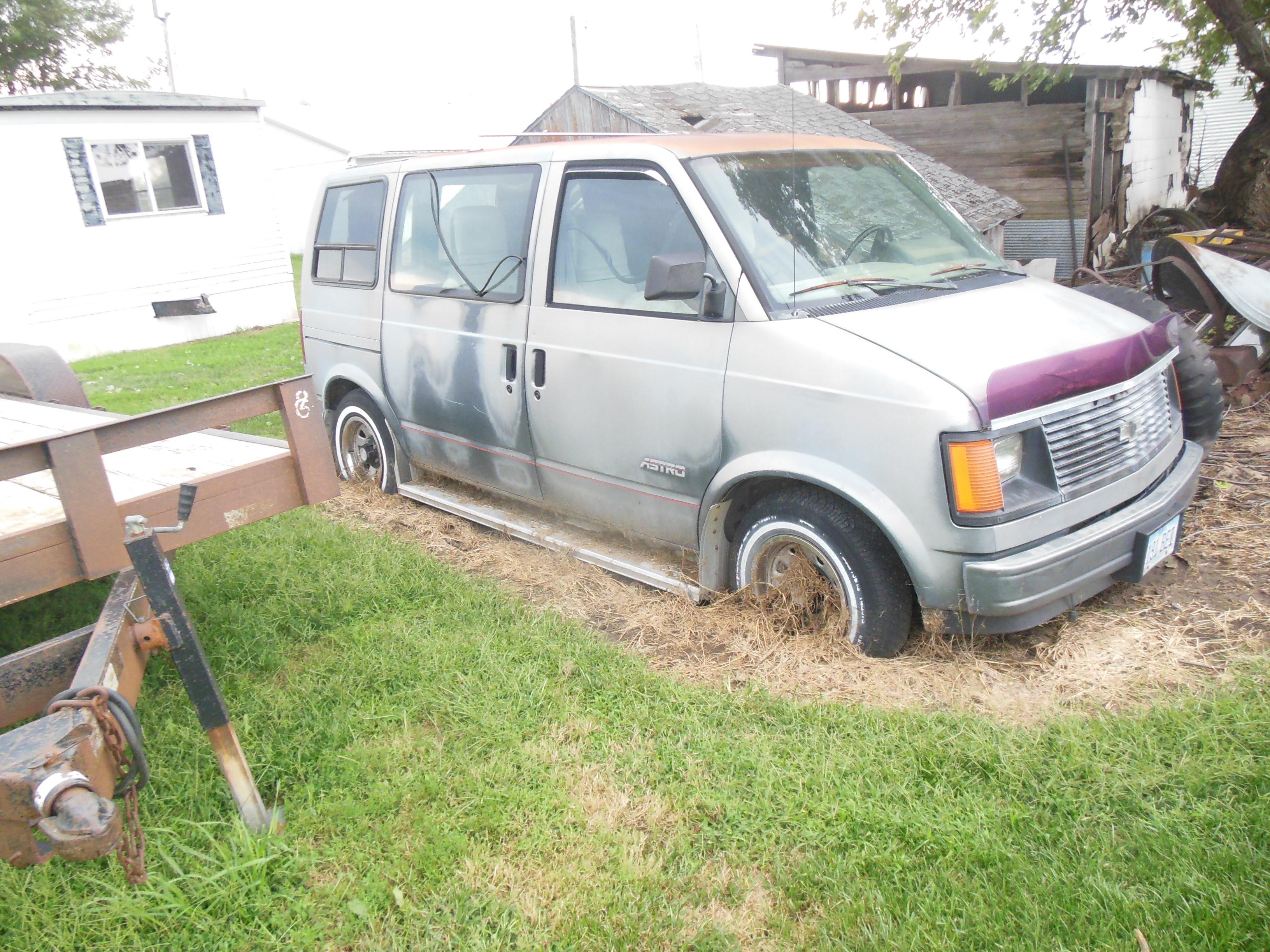 Clark salvage minivan