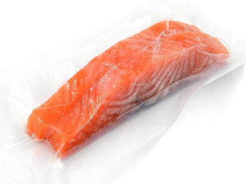 Лосось (семга) филе, на коже, с/м, в/у, вес упаковки ~700 гр.
