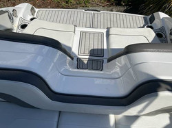 2017 Yamaha Boats 242 Limited S 19