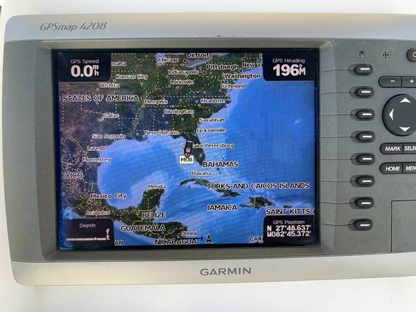2007 Century 2400 Center Console 2