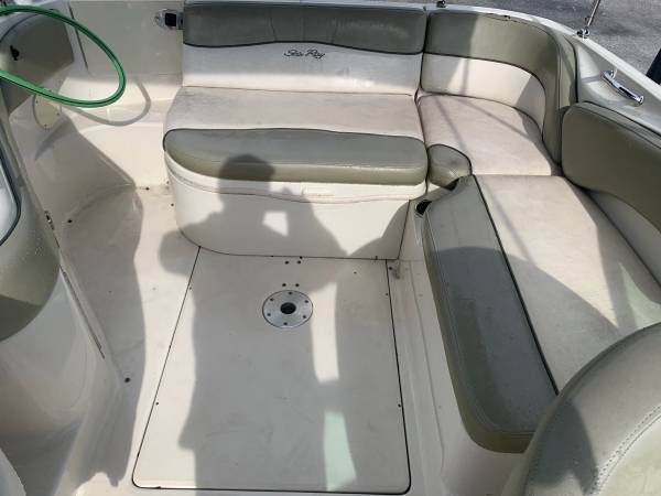 2006 SEA RAY 240 SUNDECK 6