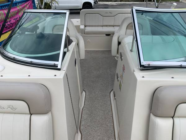 2009 SEA RAY 230 SUNDECK 7