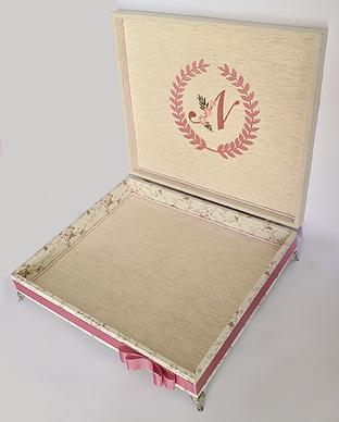 Caixa Personalizada com Brasão (Inicial) Interno