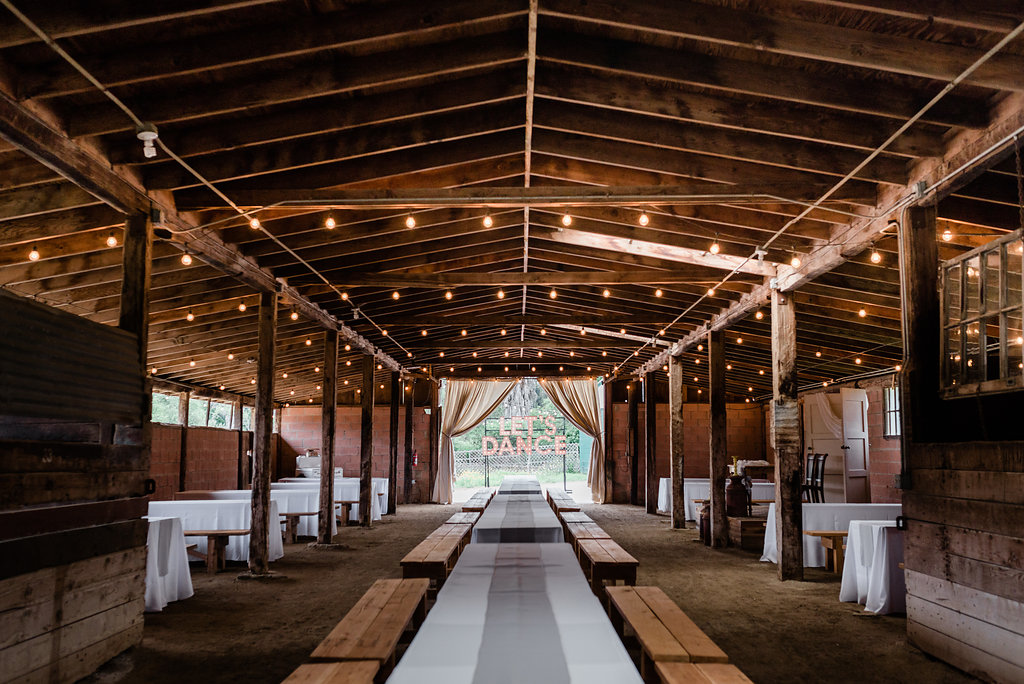 farm-country-rustic-wedding-venue-12