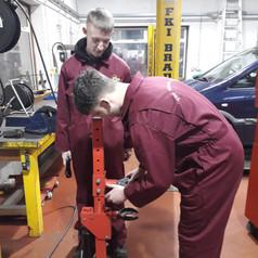 Car maintenance (Preparing spring for su