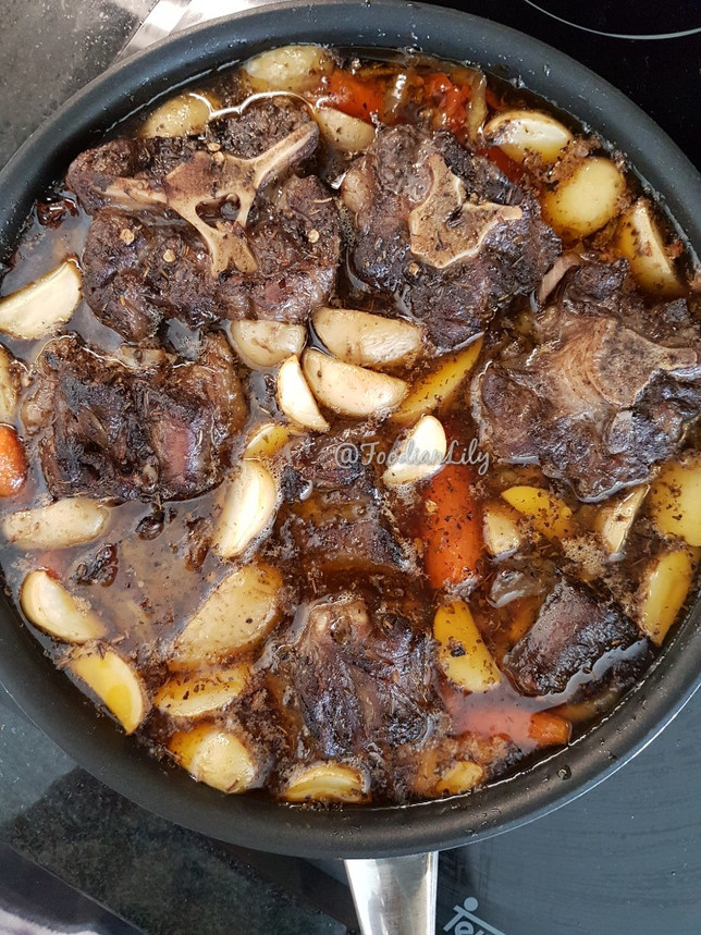 Oxtail after 10mins resting