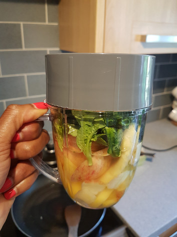 Spinach, Mango, Pineapple Smoothie
