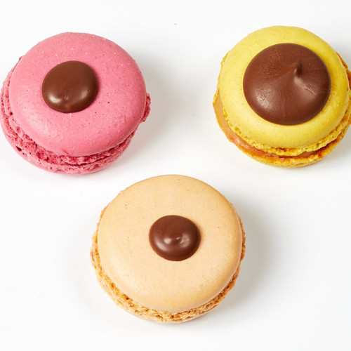 macarons with diff drops