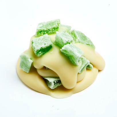 Cluster White green fruit 4