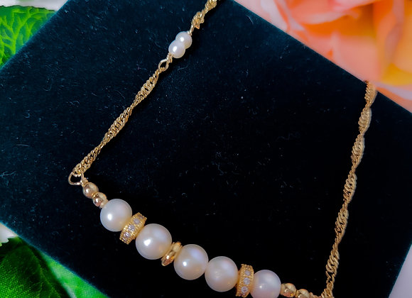 Necklace - Pearl and Yellow Gold Fill