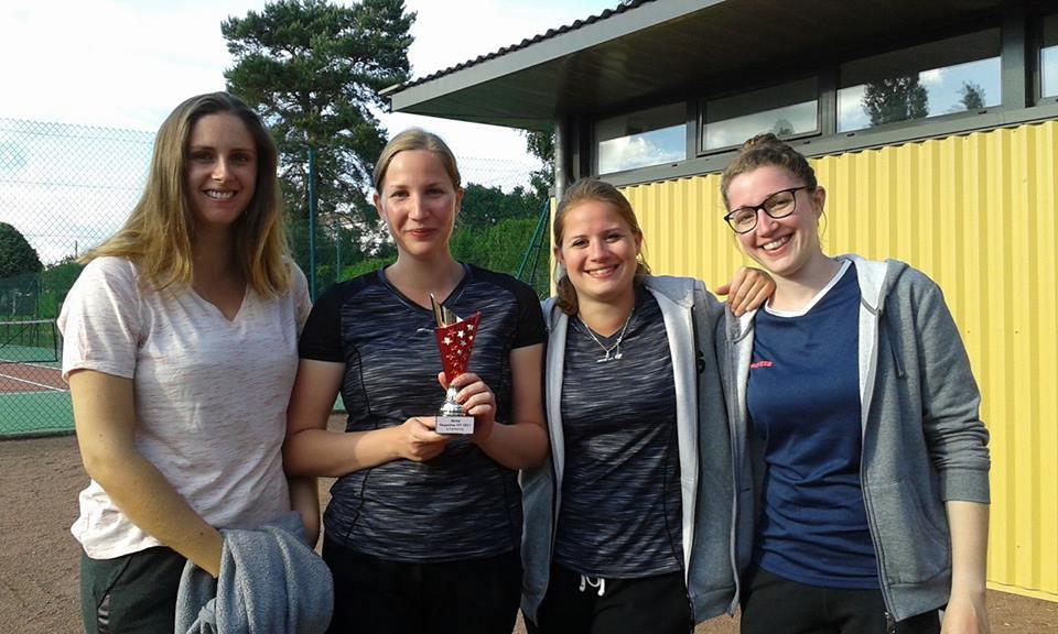 Claire, Noémie, Pauline et Mélanie ont fièrement représenté les couleurs du stade!