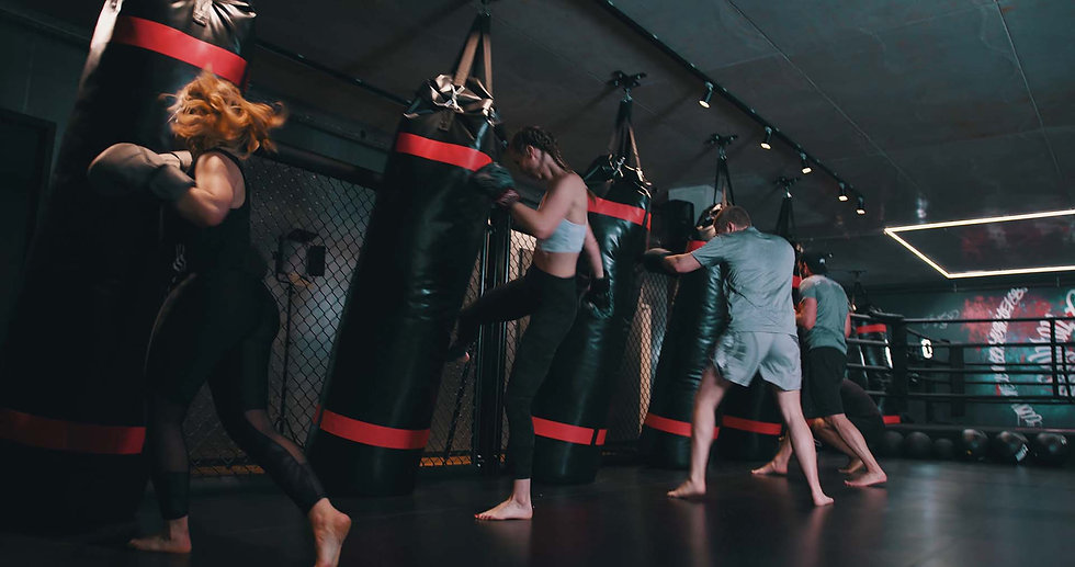 Kampfsport-Thaiboxen-funktional-training
