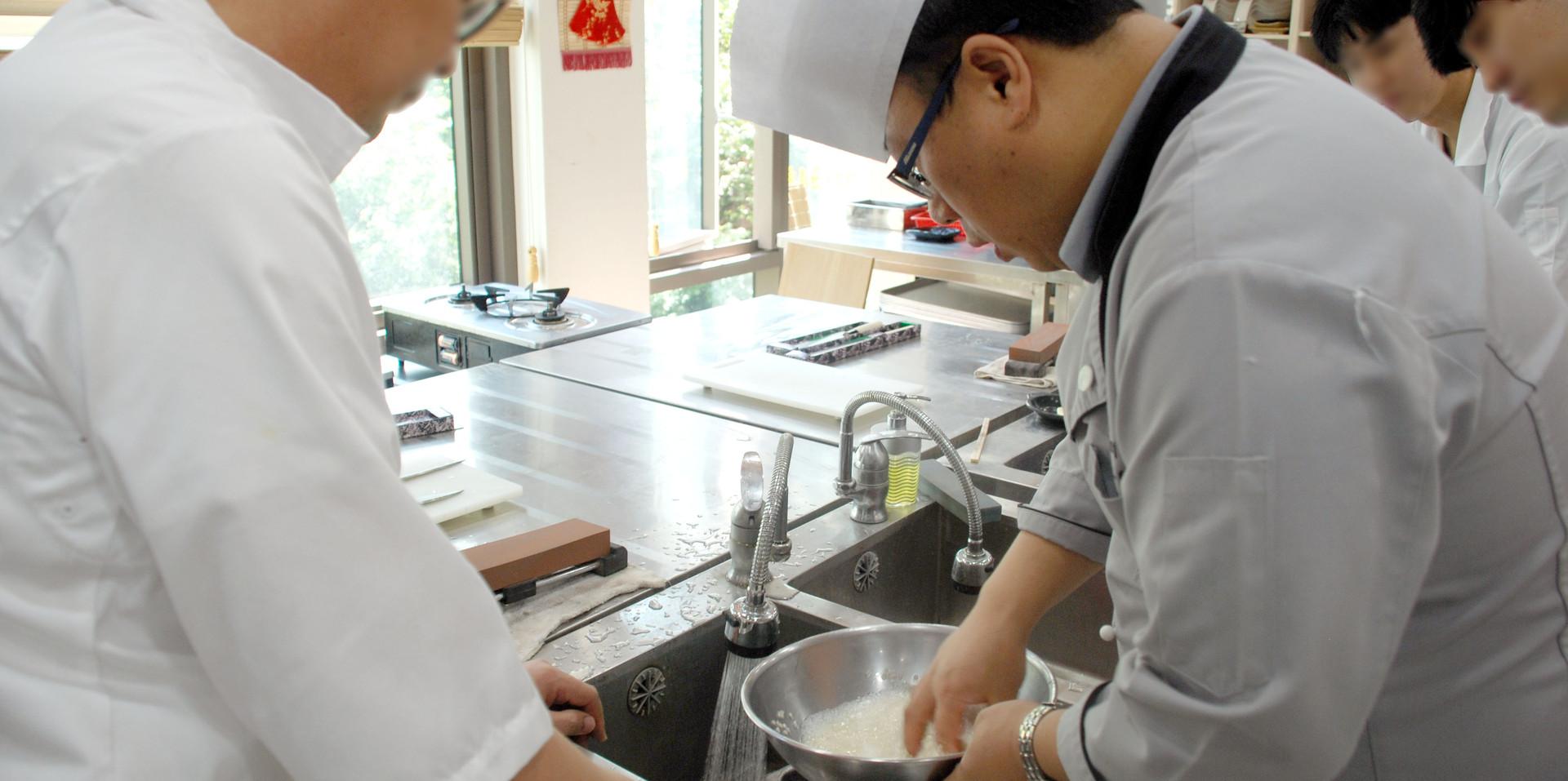 초밥 밥 짓기