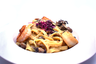 Fettuccine with scallops.png
