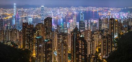 2880px-Hong_Kong_Harbour_Night_2019-06-1