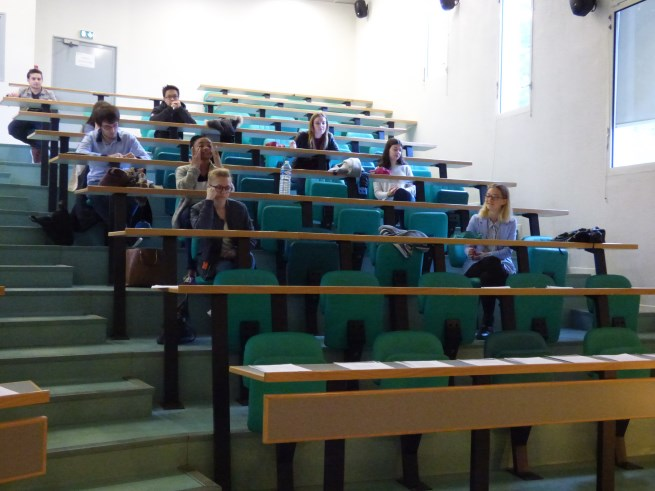 Les_élèves_du_Lycée_Bahuet_se_préparent_au_TOIEC_le_07_-04-2017_-_Photo_12