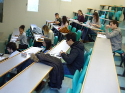 Les_élèves_du_Lycée_Bahuet_se_préparent_au_TOIEC_le_07_-04-2017_-_Photo_6